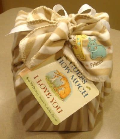 wrapping baby shower gifts baby gift wrapping idea baby showers