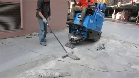 "PU car deck flooring removal by ""Terminator"" T2100Pro ride"