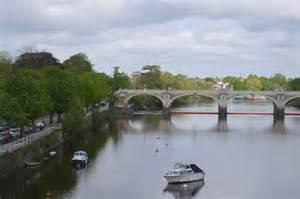 thames river ferry richmond river thames and richmond lock 169 n chadwick cc by sa 2 0