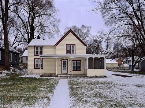 6564 Lake St. Omaha Ne 68104. Charming home in Benson for