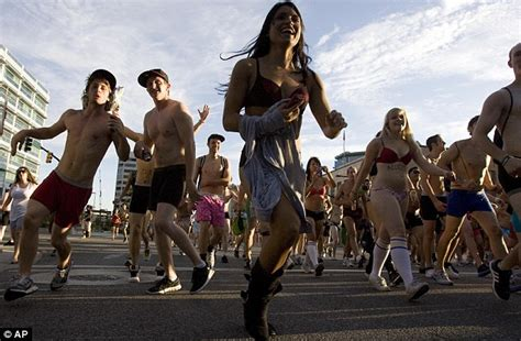 Salt Lake City Records Utah Undie Run Thousands Run Through Salt Lake City In Protest Daily Mail