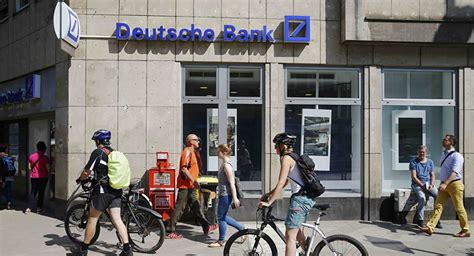 banks in germany deutsche bank collapse may trigger global financial