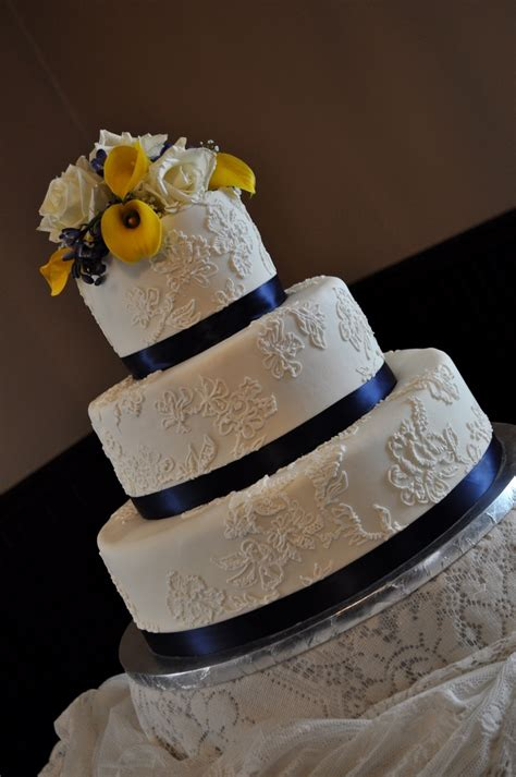 blue and yellow wedding cupcakes navy blue and yellow wedding cake look these amazing