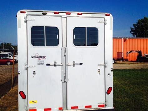 horse trailer awning 1999 sooner trailers 4 dressing room awning horse