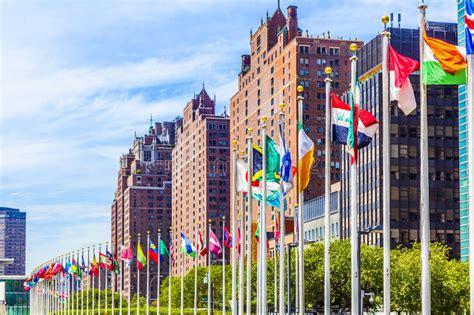 si鑒e de l onu si 232 ge des nations unies avec des drapeaux des membres de l