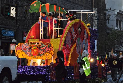 date of new year parade san francisco bcx news floats in the 2013 new year parade