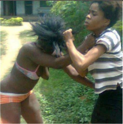 bagarre deux filles black se mettent des grosses peches 08 mars bagarre pour une robe actualite en afrique et