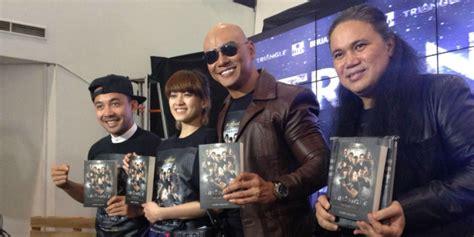 Film Pendek Dengan Ending Tak Terduga | sukses film pendek deddy corbuzier rilis novel triangle