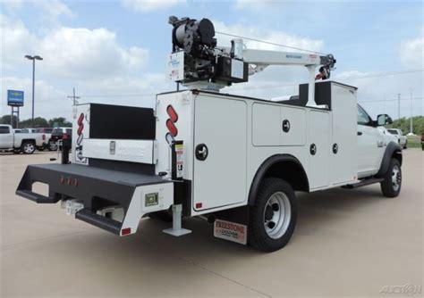 truck bed crane new 16 ram 5500 tradesman 6 7l i 6 cummins 4x4 service bed