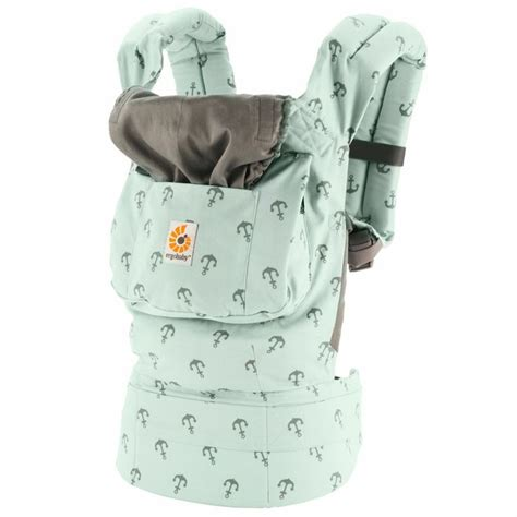 Ergo Baby Carrier Original Sailor testing the pinit button on ergobaby ergobaby original collection baby carrier sea skipper