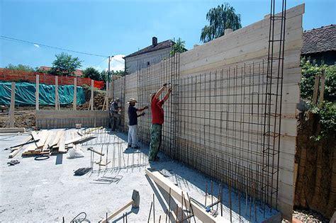 fasi costruzione casa tenere al caldo in casa fasi di costruzione di una casa