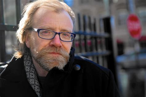 george saunders lincoln review george saunders remarkable first novel lincoln in the bardo chicago tribune