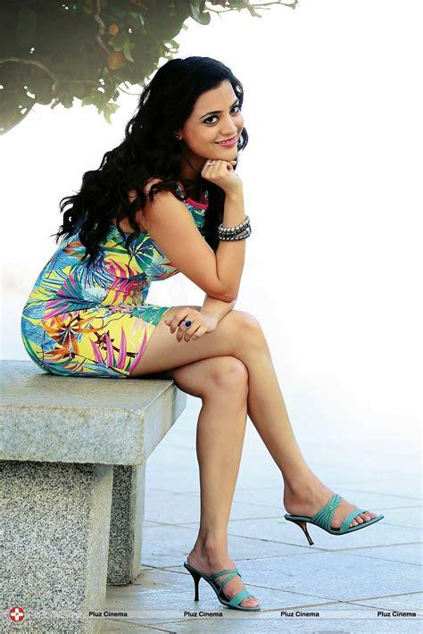 film hot instagram 17 pics of tollywood actress nisha agarwal kajal agarwal