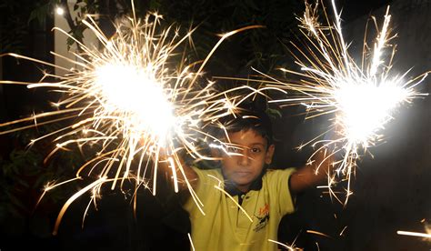 sinhala new year the most auspicious times for sinhala new year 2017 sbs