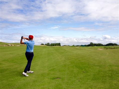 swing like a pro the beginners guide to playing golf
