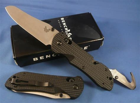 benchmade 915 triage benchmade 915 triage knife saftey hook glass breaker plain