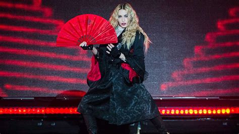 Madonna Fan Attacks by Madonna Performs Outdoor Set For 171 98 7 Kluv