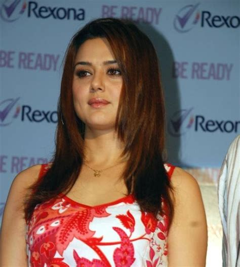 preity zinta born gallery cinema actress preity zinta biography and picture