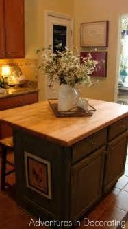kitchen island decorative accessories 1000 ideas about kitchen island decor on