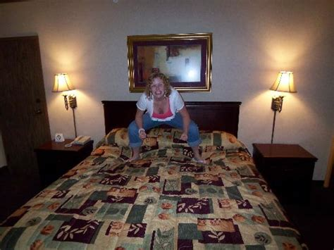 las vegas chat rooms the room with one king bed and my cousin picture of four hotel and casino las