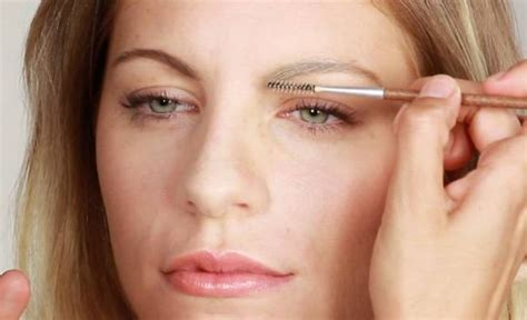 Gwen Lightens Up Brows It Or It by How To Lighten Eyebrows Naturally At Home With Makeup