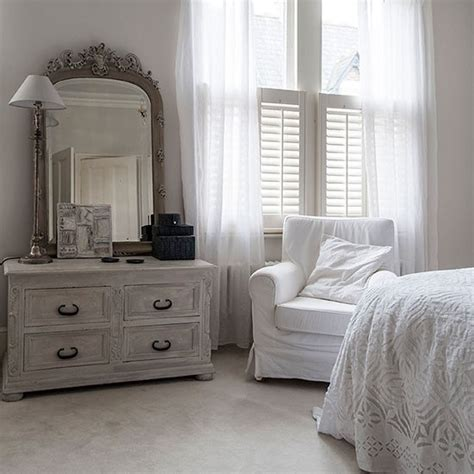 house home garden shabby chic bedroom smallspace living 5 steps to create the illusion of space