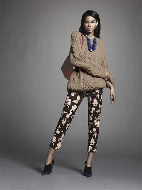 how to wear printed pantstrousers fall2013 pinterest style guide how to wear printed pants fab fashion fix