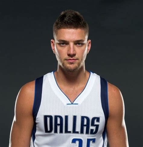 reports chandler parsons agrees to four year max deal