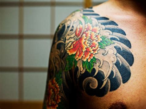 yakuza tattoo pattern yakuza tattoo on shoulder busbones