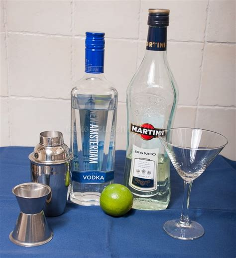 vodka martini shaken not stirred wodka martini shaken not stirred keuken liefde