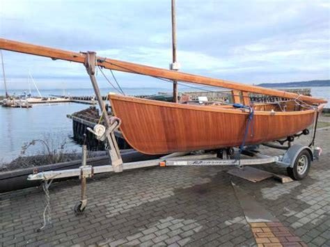 dinghy boat center sailing dinghy northwest maritime center