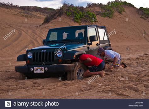 Hawaii Jeep Digging Jeep Out Of The Sand At Polihale Kauai