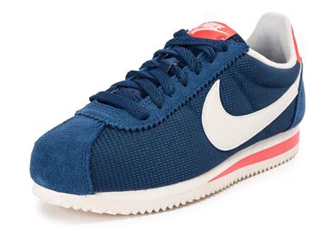 Nike Cortez Textile M nike chaussures classic cortez textile w nike nike air