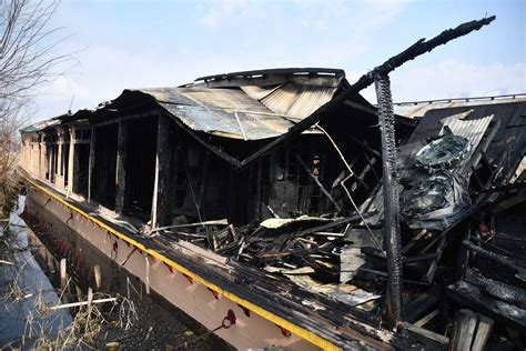 houseboat fire fire damages houseboat in srinagar