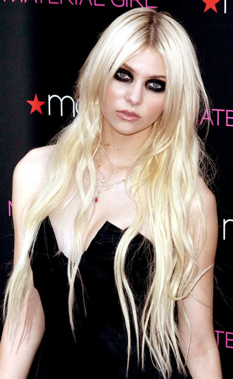 wow bffs check out taylor momsen s heavy eye makeup