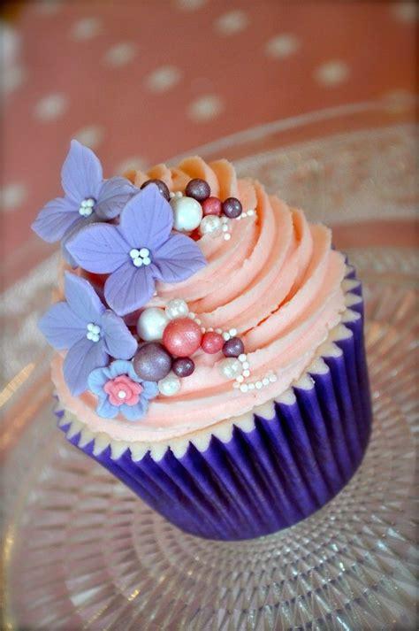 Purple Cake Decorating Ideas Best 25 Flower Cupcakes Ideas On Pinterest Pretty