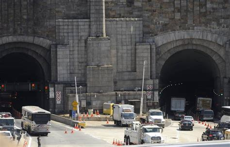 lincoln tunnel closed today weehawken nj fatal crash in lincoln tunnel snarls