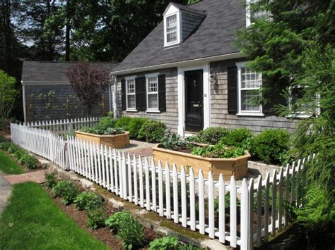 Wellesley Cottage Garden   Traditional   Landscape