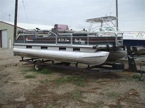 tracker boats clothing 1990 20 bass buggy pontoon w 50hp johnson trailer nex