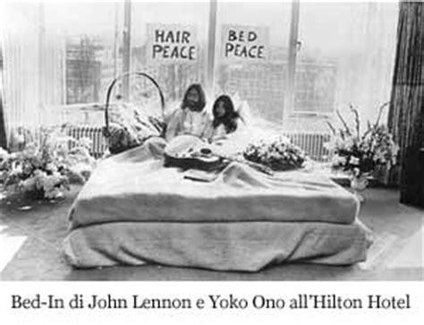 Rooming House Definition by Accadde Oggi Protesta Contro La Guerra Di Lennon E