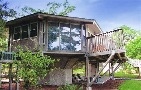 prefab guest houses prefab pedestal guest houses sloping terrain and flood