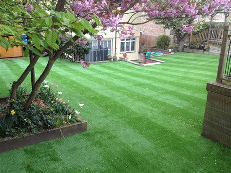 artificial lawn advantages leisuretechlawns