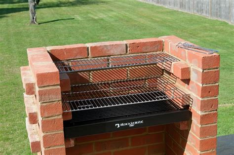 black decker custom grills smokers build your own backyard cooking tailgating equipment books bkb404 brick bbq kit with stainless steel cooking grill