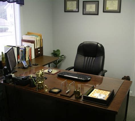 Pictures Of Organized Office Desks Dear Office Slacker A Topnotch Site