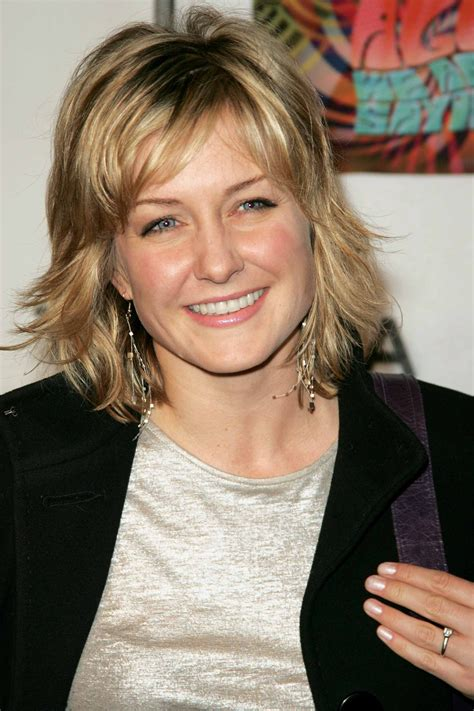 amy carlson shortest hairstyle amy carlson medium hairstyle hair styles pinterest
