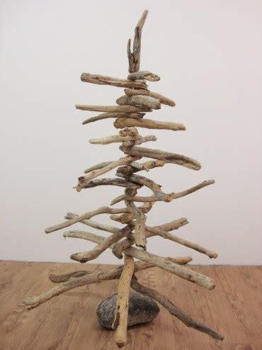 weihnachtsbaum aus schwemmholz diy christbaum aus schwemmholz
