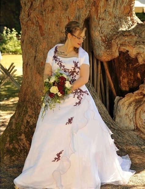 Hochzeitskleid Mit Rot by 17 Terbaik Ide Tentang Hochzeitskleid Rot Wei 223 Di