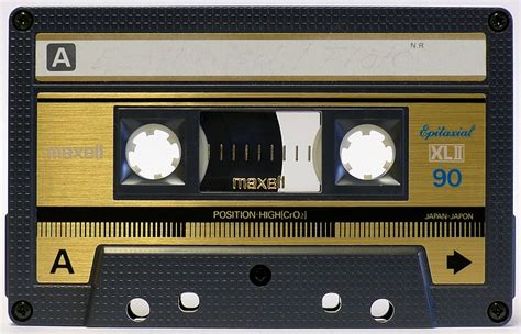 cassette maxell 301 moved permanently