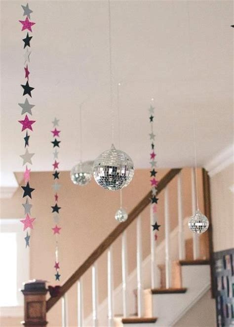 Hanging Balls From Ceiling by 21 Sparkling Disco D 233 Cor Ideas For Winter