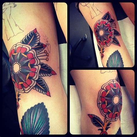 mandala tattoo knee 43 best knee tattoos images on pinterest knee tattoo